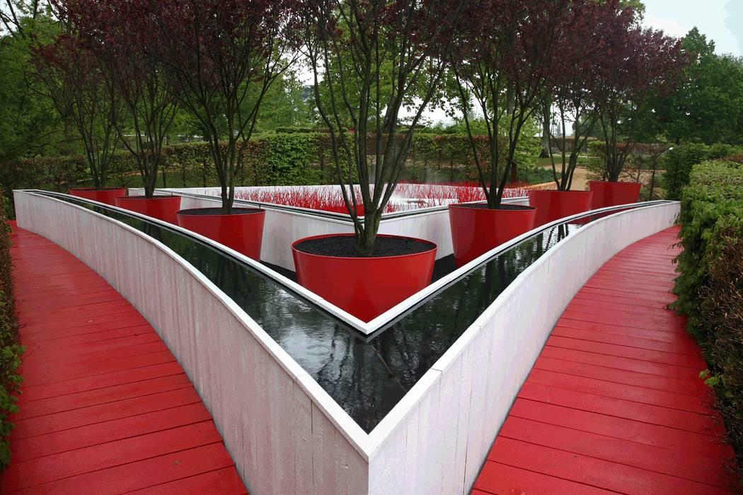 Planungsbüro STEFAN LAPORT Eclectic style gardens