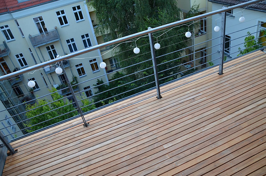 Teak Terrasse Balkon, Veranda & Terrasse von BioMaderas GmbH