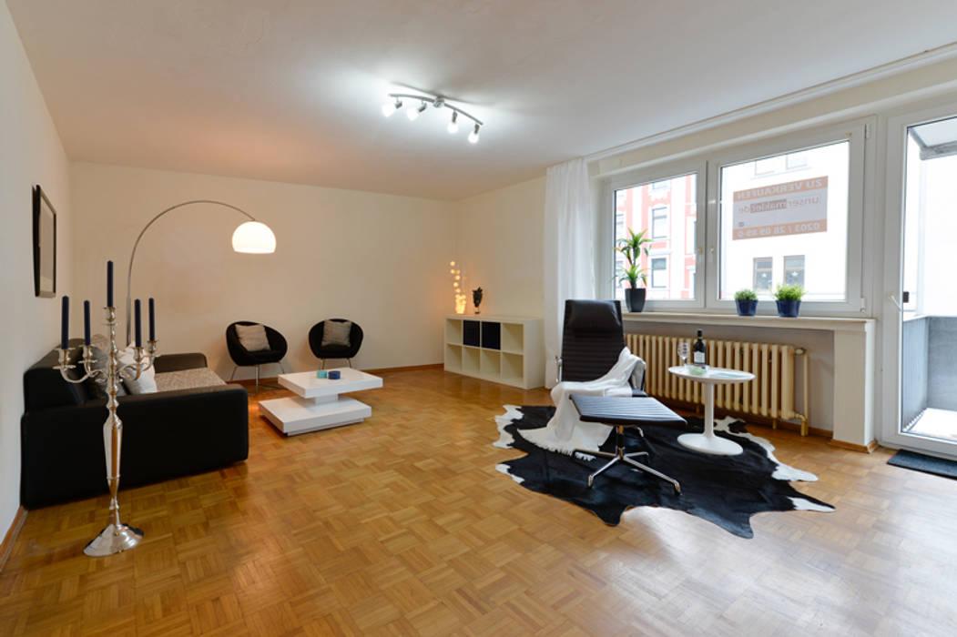 Eigentumswohnung Duisburg:  Wohnzimmer von raumessenz homestaging