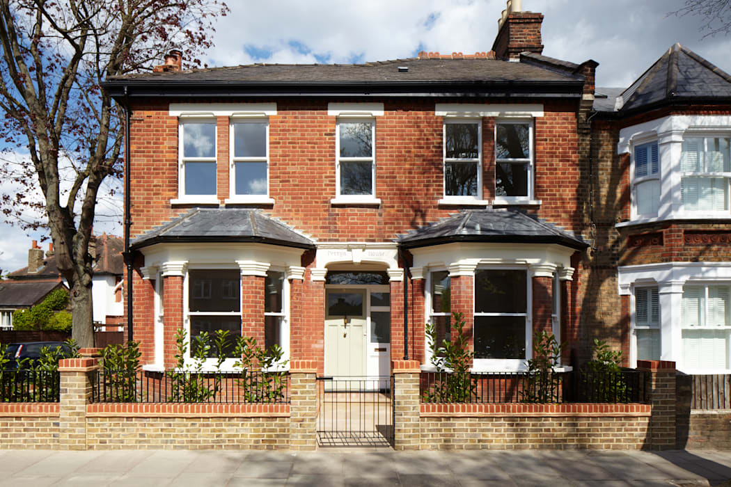 Whitton Road Phillips Tracey Architects Classic style houses