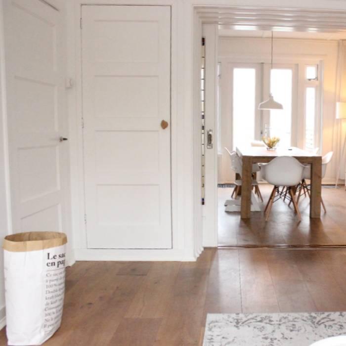 Woonkamer richting eetkamer Scandinavische woonkamers van Evelyne Ontwerp Scandinavisch
