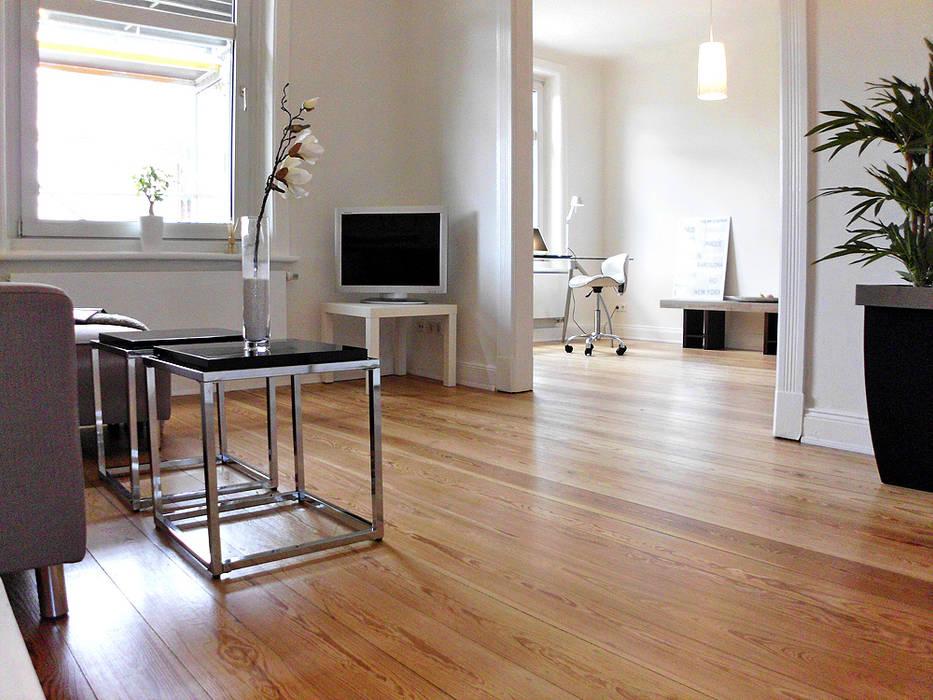 Altbauwohnung Verkaufs-Optimierung1 wohnhelden Home Staging Moderne Wohnzimmer