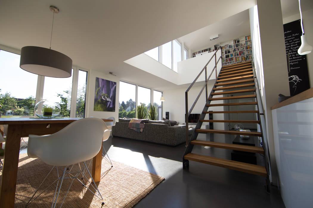Wohnzimmer Mit Esstisch Und Galerie Wohnzimmer Von Hellmers P2