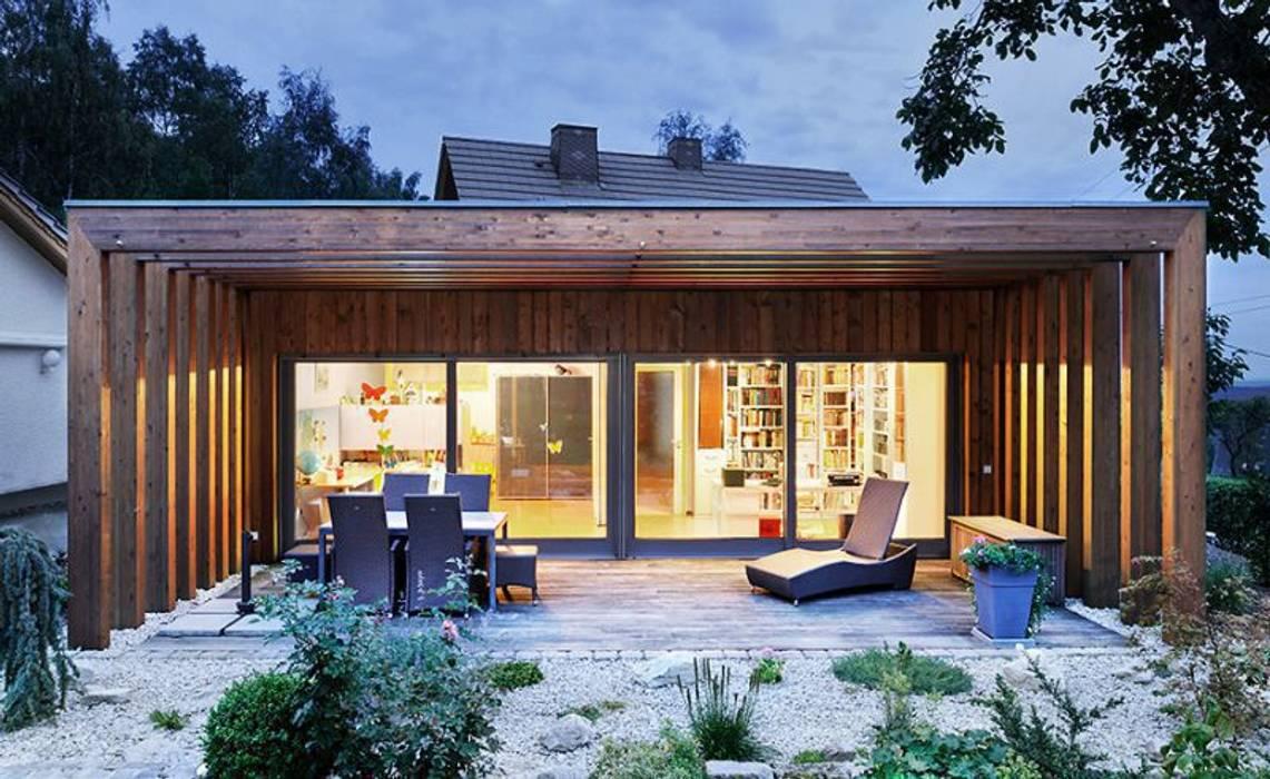 [lu:p] Architektur GmbH Classic style balcony, veranda & terrace