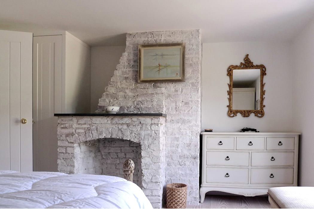 Vine Cottage Phillips Tracey Architects Classic style bedroom