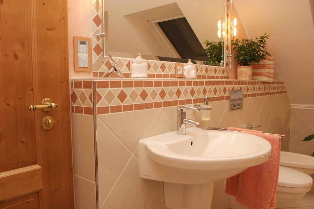 Mediterranes bad: badezimmer von fliesen hiersemann ...