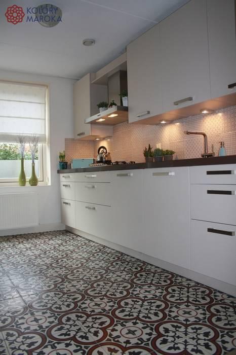 Кухня в средиземноморском стиле от Kolory Maroka Средиземноморский