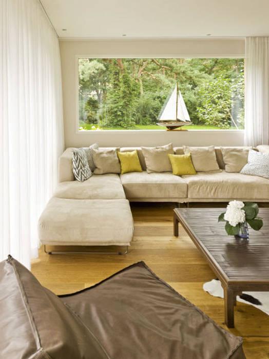 Haus Jacobs:  Wohnzimmer von Innenarchitektur Berlin