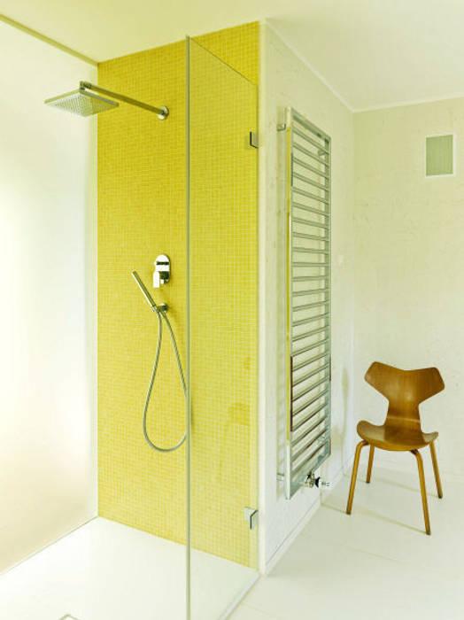 Modern Bathroom by Innenarchitektur Berlin Modern