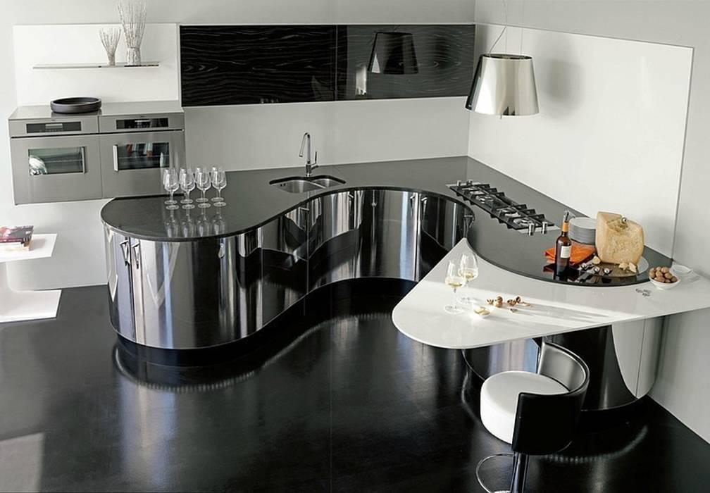 Luxusküche / italienische Designerküche in Edelstahl und Echtholz Küche von Küchengaleria Oßwald GmbH