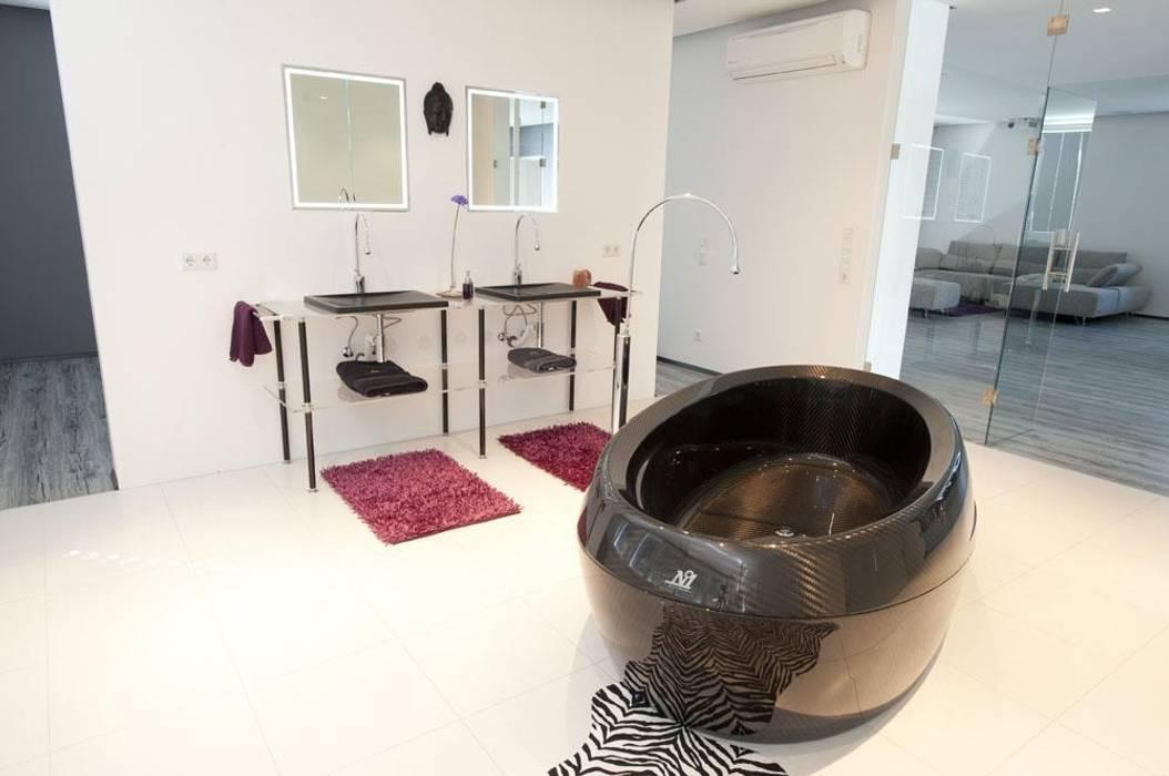 Designobjekte für das Baddesign in Carbon Moderne Badezimmer von Design by Torsten Müller Modern