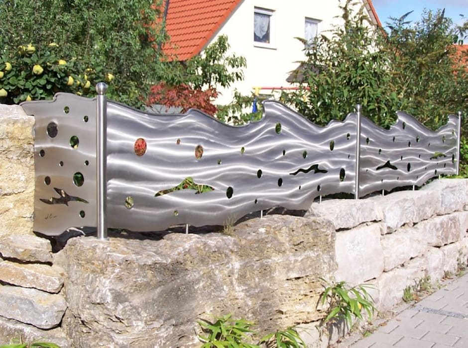 Jardin de style  par Edelstahl Atelier Crouse - individuelle Gartentore, Moderne