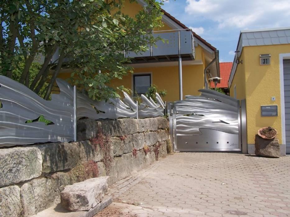 Edelstahl Tor und Zaun Moderner Garten von Edelstahl Atelier Crouse: Modern