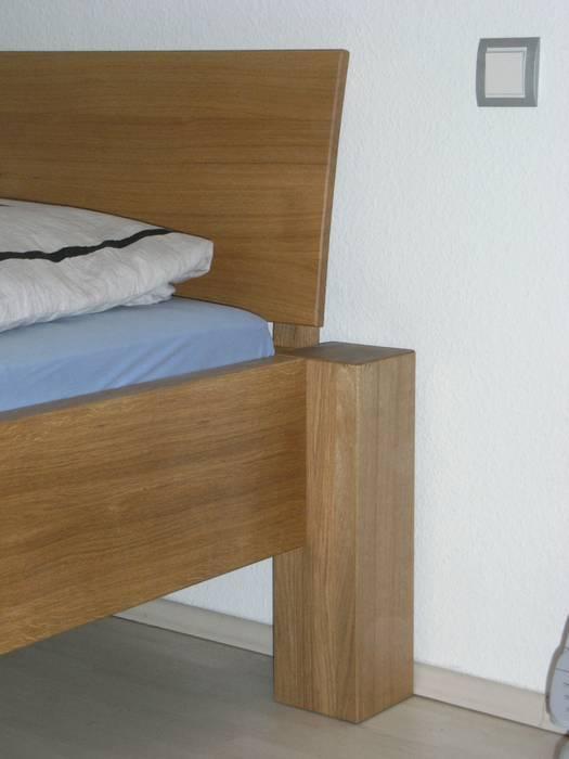 Betten: modern  von Schreinerei Deml GmbH,Modern