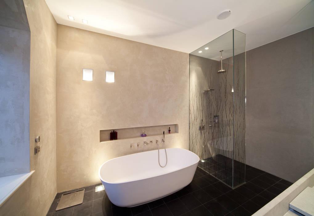 Masterbad mit Mineralputz:  Badezimmer von Einwandfrei - innovative Malerarbeiten oHG