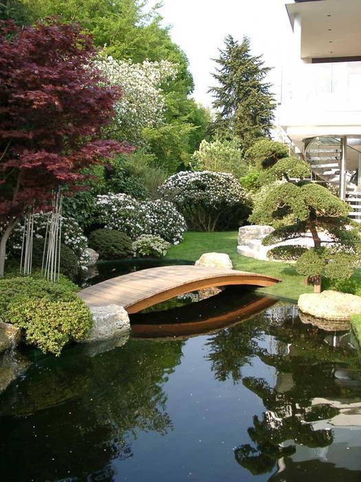 Vườn phong cách hiện đại bởi Kirchner Garten & Teich GmbH Hiện đại