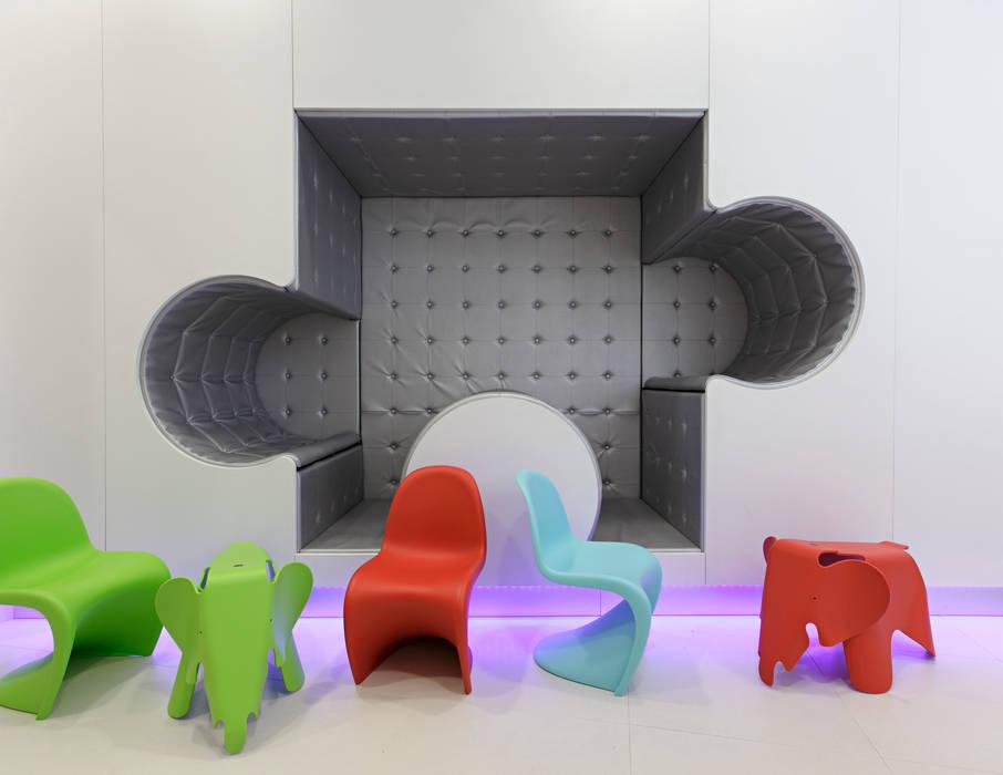 by LABOR WELTENBAU ARCHITEKTUR Modern
