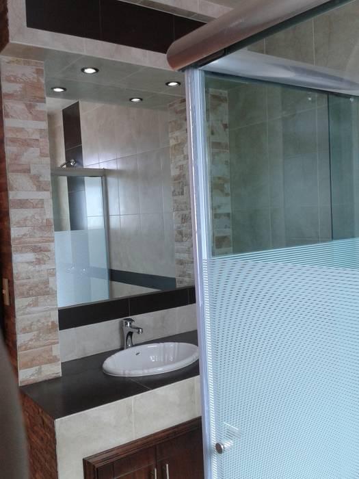 Baño comun Baños rústicos de DD Arquitectos Rústico