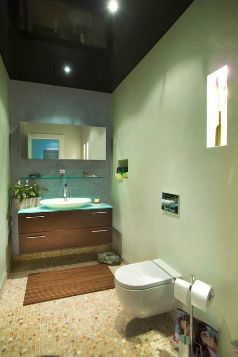 Gäste WC by Torsten Müller:  Badezimmer von Design by Torsten Müller