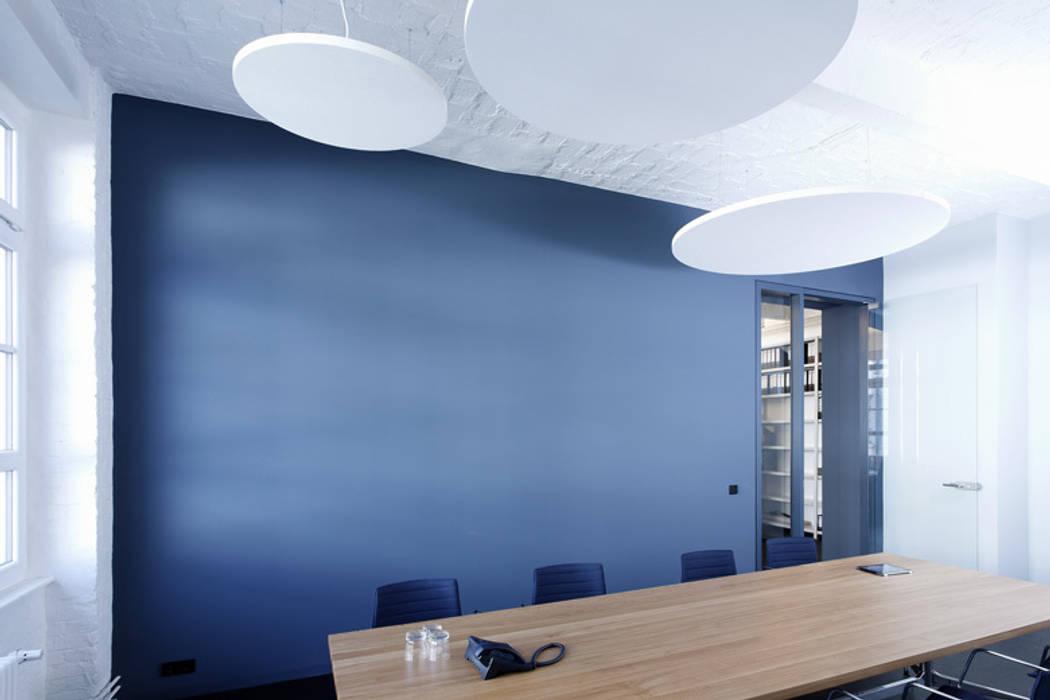 Besprechungsraum Moderner Multimedia-Raum von a-base I büro für architektur Modern