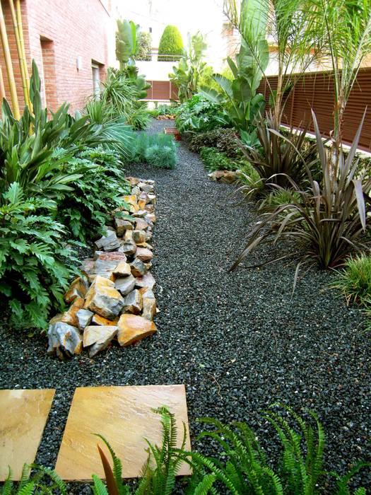 Jardines de estilo  por Simbiosi Estudi, Moderno