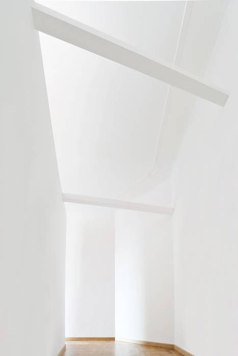 modern Dressing room by CAFElab studio