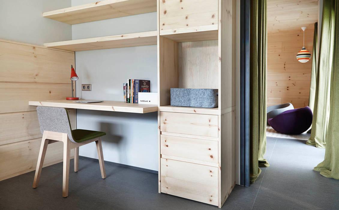 Scandinavian style nursery/kids room by Coblonal Arquitectura Scandinavian