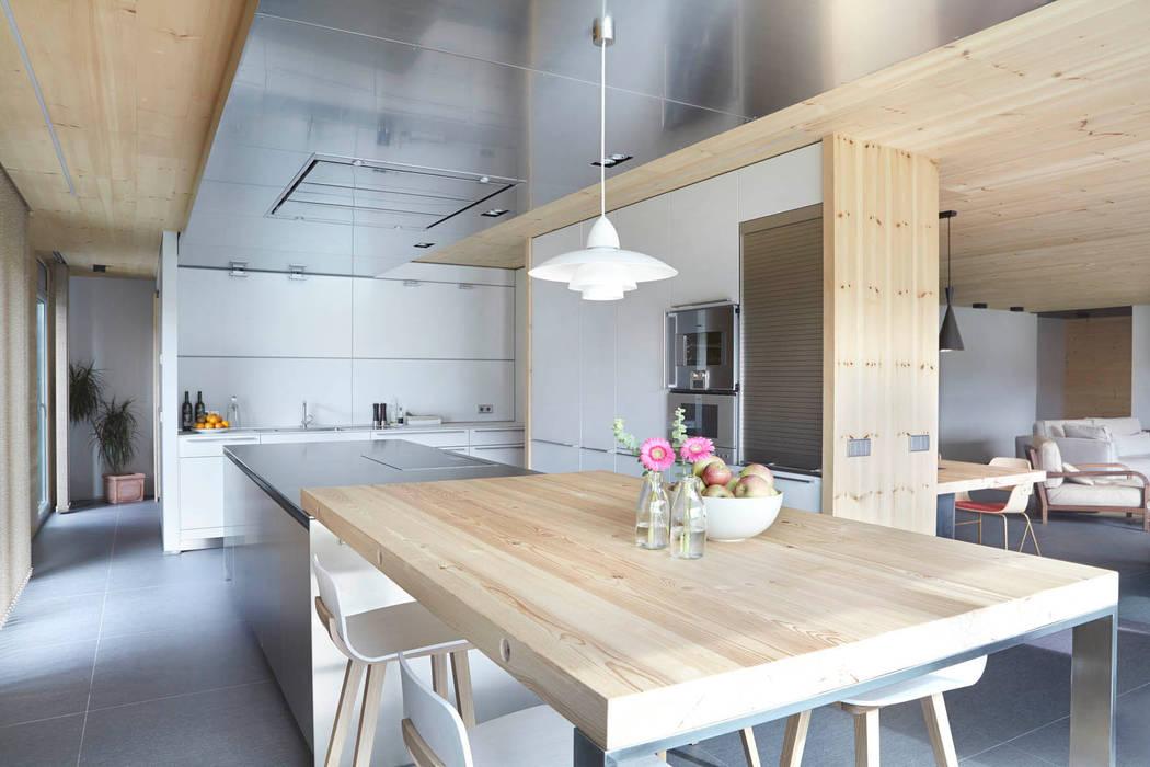 Cocinas de estilo escandinavo de Coblonal Arquitectura Escandinavo