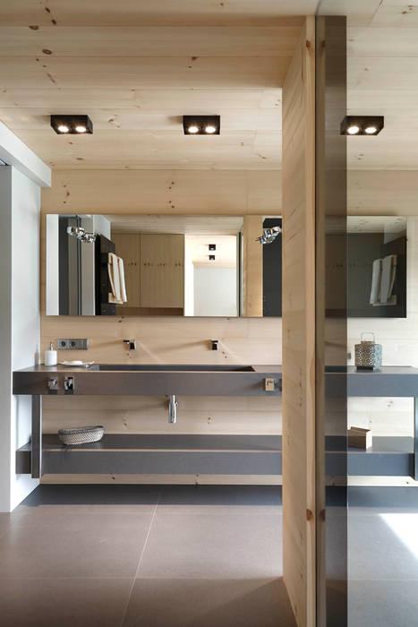 Casas de banho escandinavas por Coblonal Arquitectura Escandinavo