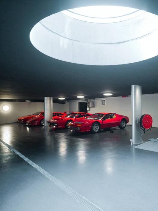 Garage/schuur door PHILIPPE STUEBI ARCHITEKTEN ETH BSA SIA GMBH
