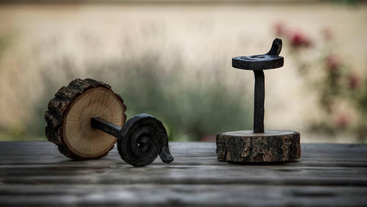 Geschmiedetes Eisen und Holz von homify Rustikal