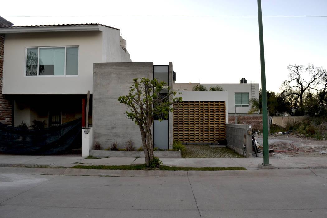 Escala Casas modernas de homify Moderno