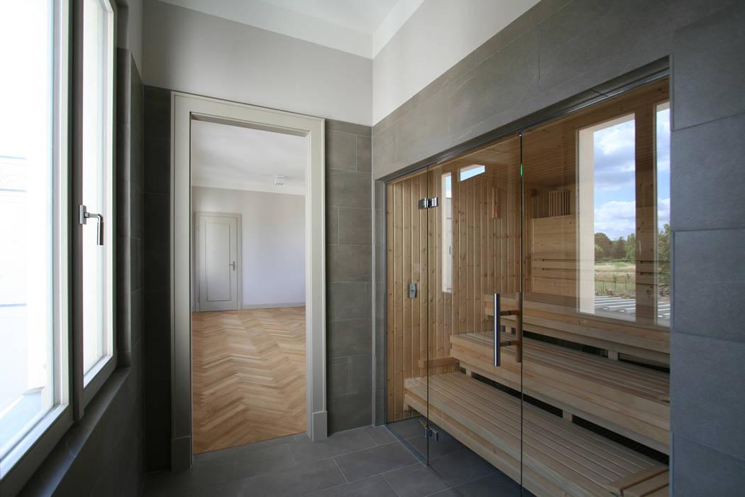 Bellevue zum Schloss - Villa mit Seitenflügeln und Hof Klassischer Spa von CG VOGEL ARCHITEKTEN Klassisch