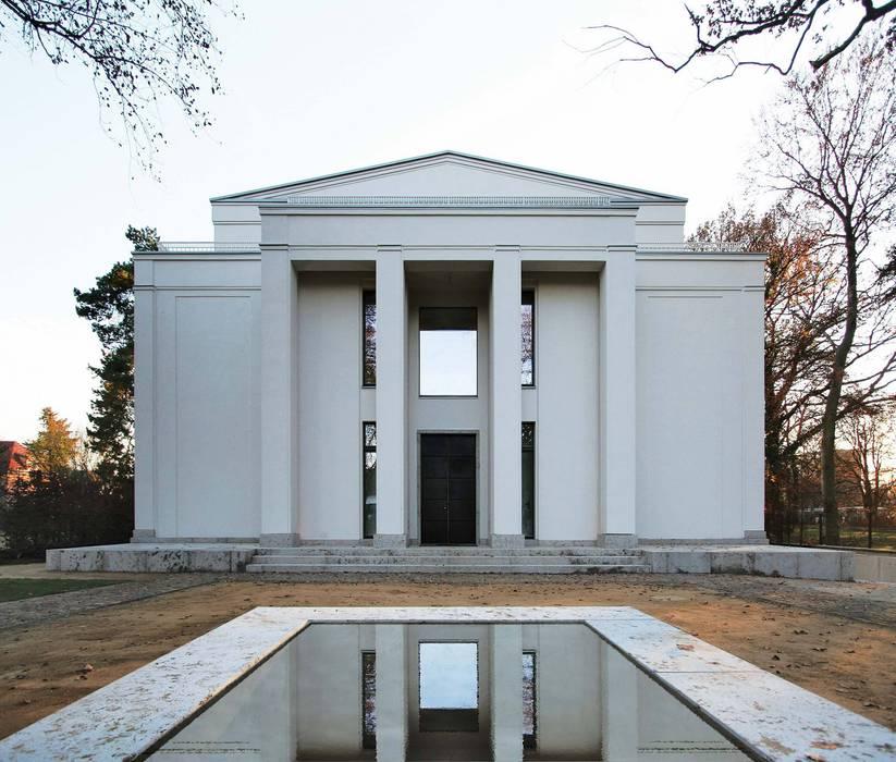 Den Himmel im Haus - Residenz mit zentralem Lichthof:  Häuser von CG VOGEL ARCHITEKTEN