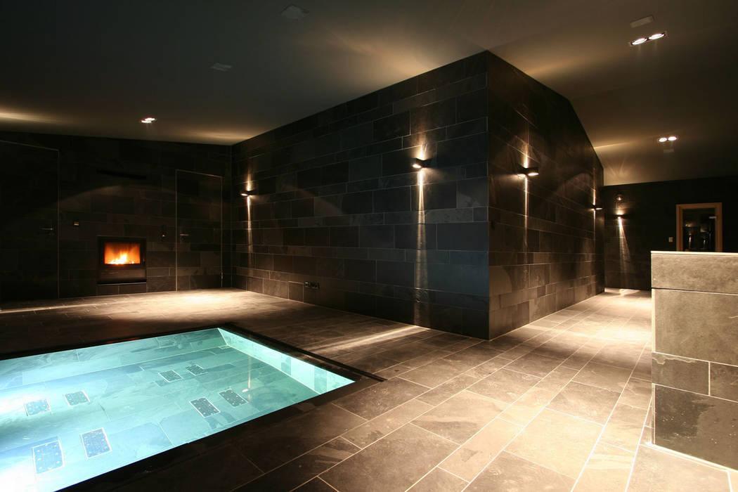 Den Himmel im Haus - Residenz mit zentralem Lichthof:  Spa von CG VOGEL ARCHITEKTEN