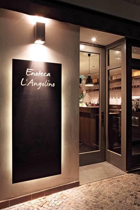 La Tavola è Pronta! - Interieurdesign für eine Enoteca Moderne Esszimmer von CG VOGEL ARCHITEKTEN Modern