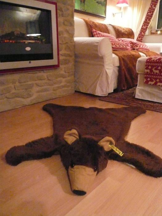 Das Bärenfell Ausgefallene Wohnzimmer von Innenarchitektin Claudia Haubrock Ausgefallen