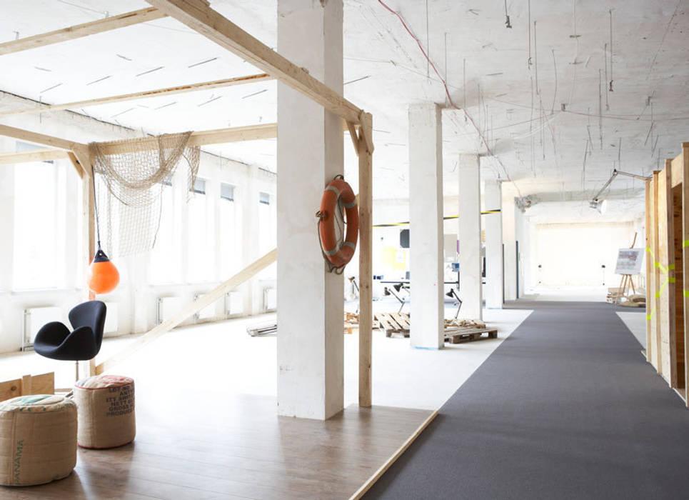 Edificios de oficinas de estilo  por Studio Uwe Gaertner Interior Design & Photography, Industrial