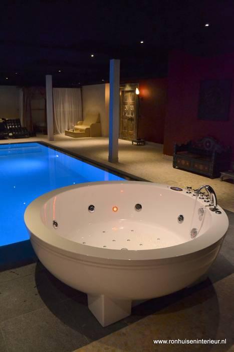 Orienteal spa:  Pool von RON Stappenbelt, Interiordesign,Asiatisch