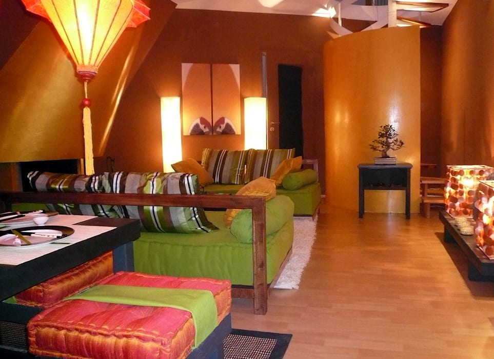 Asian style living room by Innenarchitektin Claudia Haubrock Asian