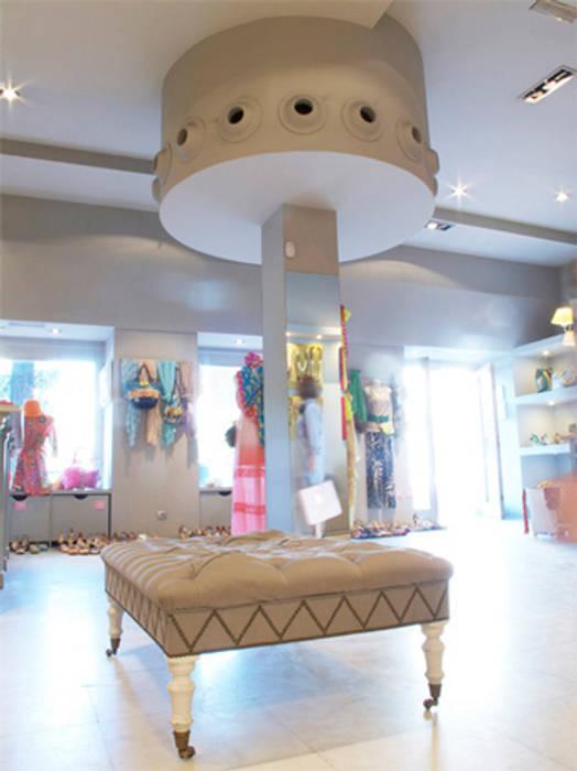 Columna: Oficinas y Tiendas de estilo  de Conalca