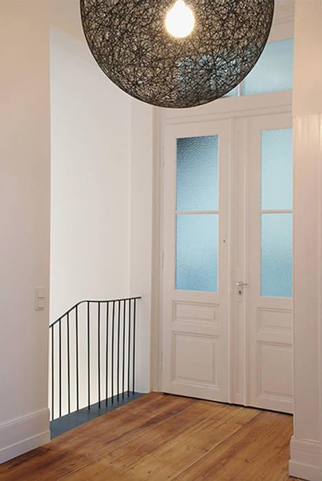 Diele Obergeschoss:  Flur & Diele von Architektur Sommerkamp,