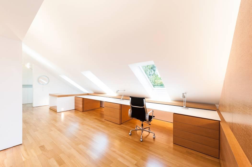 Dachloft: klassische Arbeitszimmer von innenarchitektur-rathke