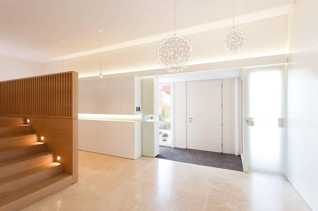 Foyer Klassischer Flur, Diele & Treppenhaus von innenarchitektur-rathke Klassisch