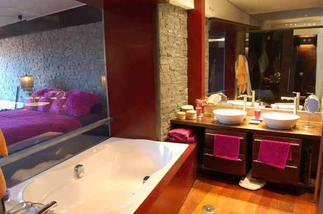 Banheiros modernos por FrAncisco SilvÁn - Arquitectura de Interior Moderno