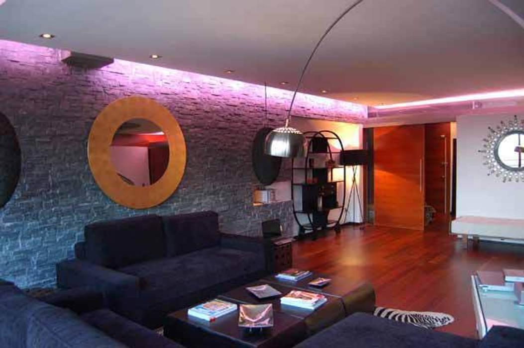 Modern Living Room by FrAncisco SilvÁn - Arquitectura de Interior Modern