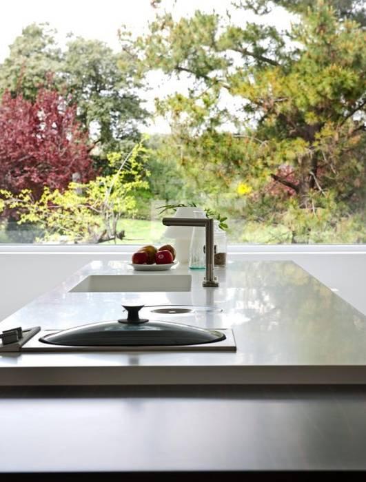 Cocina - The White House: Cocina de estilo  de Bernadó Luxury Houses