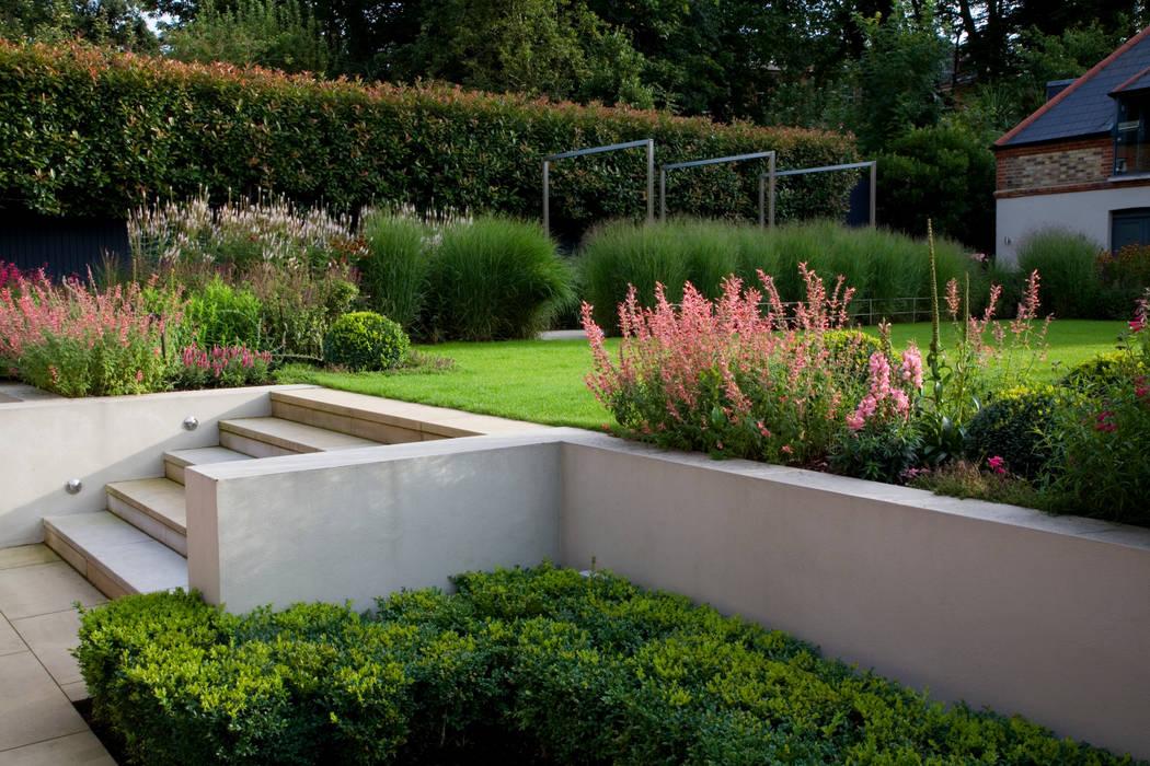Classic & Modern:  Garden by Garden Landscape Design
