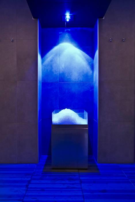 Orus Club: il Benessere in Hotel Spa moderna di Studio D73 Moderno