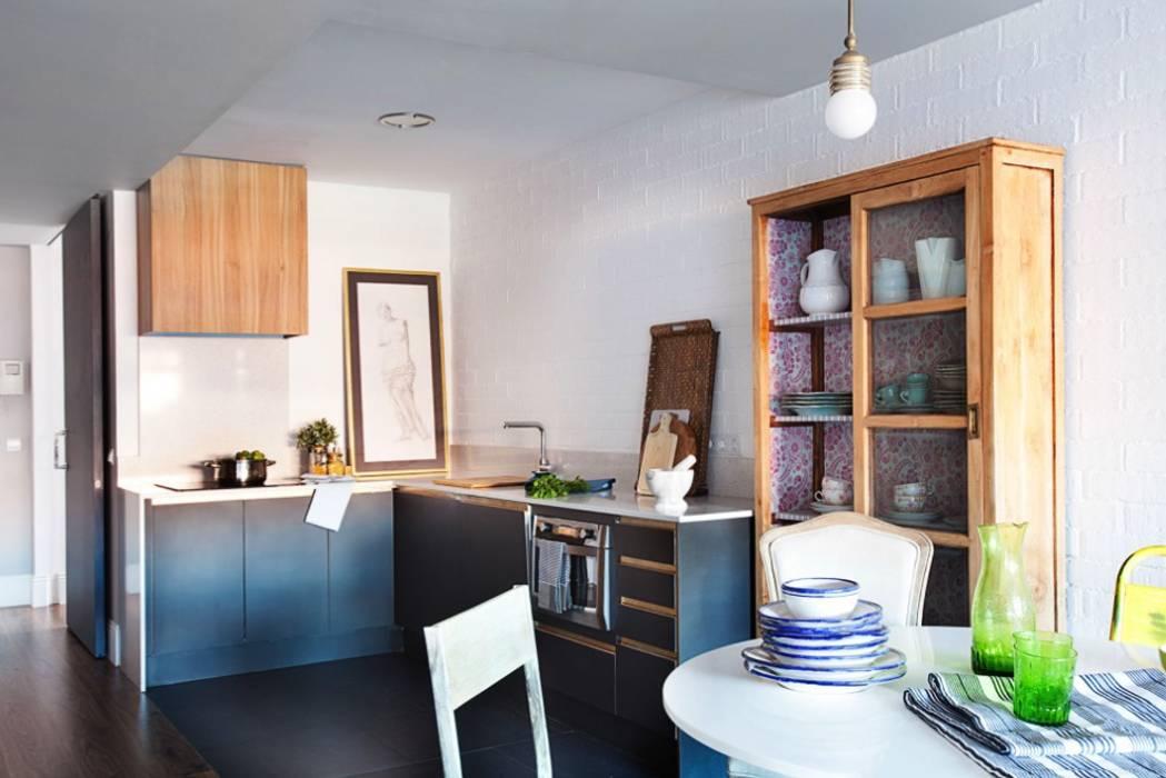 Scandinavian style kitchen by decoraCCion Scandinavian